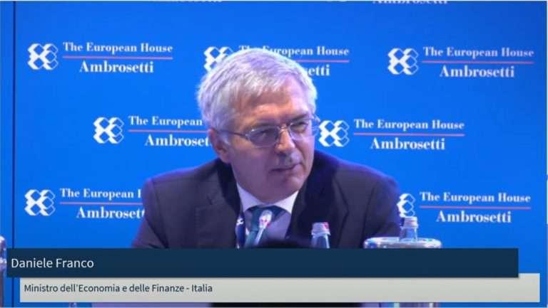 """In autunno """"sprint"""" a riforma del fisco e restyling Superbonus: al Forum Ambrosetti gli annunci del ministro dell'Economia Daniele Franco"""